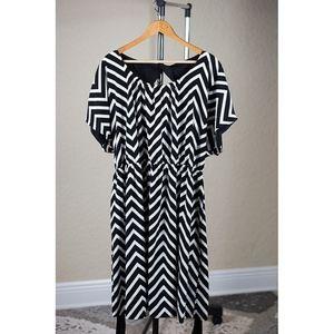 Lane Bryant NWT B&W Chevron Dress wrap belt - 1X